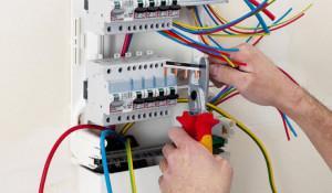 Монтаж или замена электропроводки в частном доме