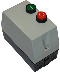 Пускатель в корпусе с кнопками управления