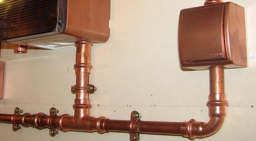 Прокладка проводки в металлических трубах