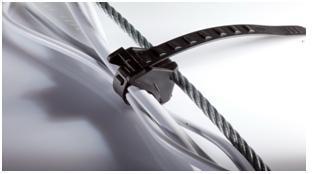 Пластиковая затяжка для крепления кабеля.