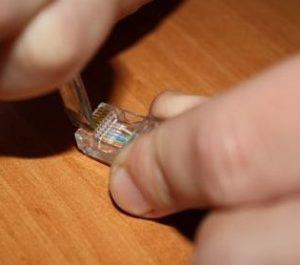 Обжим кабеля в коннекторе