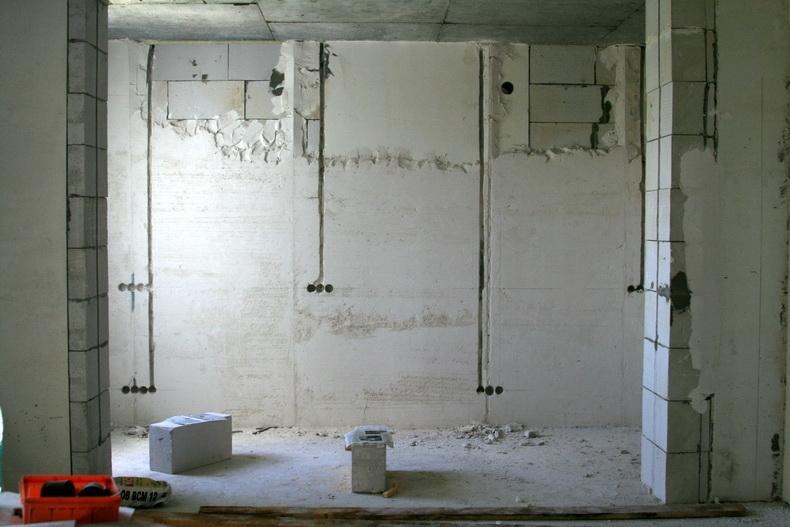Штробы в стенах