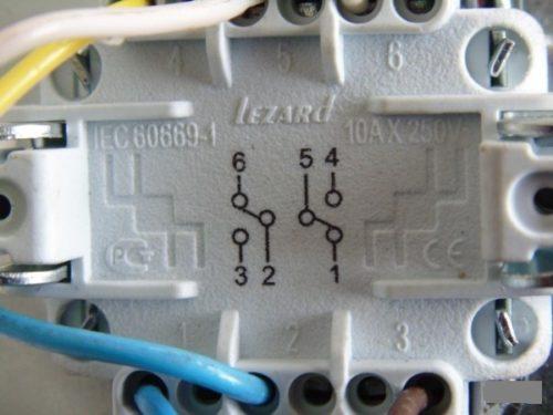 На керамических основаниях указываются: номера контактов, максимально допустимый ток; Схема коммутации контактов; Логотип компании.