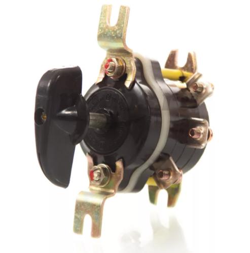 Пакетные выключатели благодаря простоте конструкции и дешевизне часто используются в бытовых электросетях